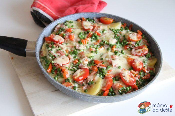Zapečené brambory v pánvičce se zeleninou