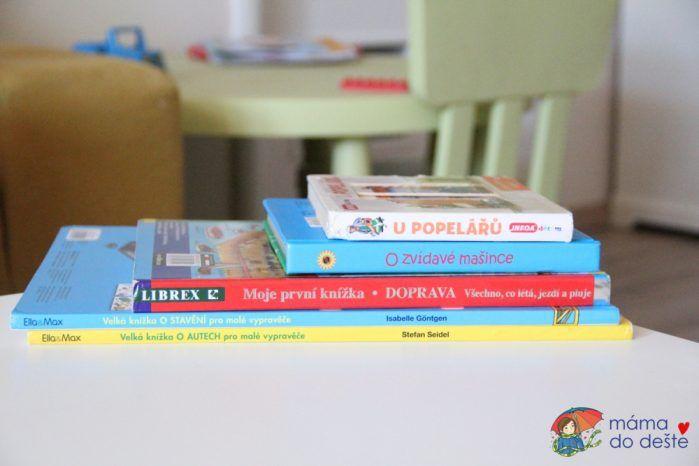 Pět knih o autech a dopravě.