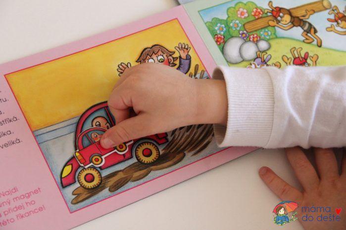 Říkanky s magnety o zvířátkách - dítě hledá stejné předměty.