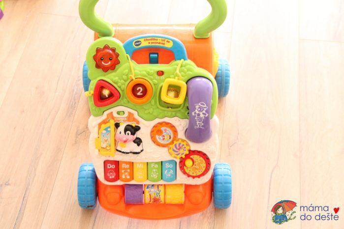 Chodítko Vtech: Hrací panel představuje pro děti perfektní zábavu.