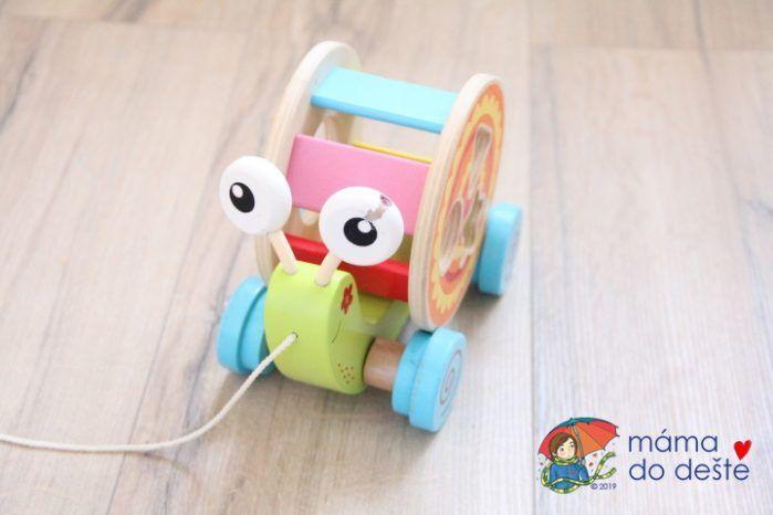 Dřevěná tahací hračka a vkládačka