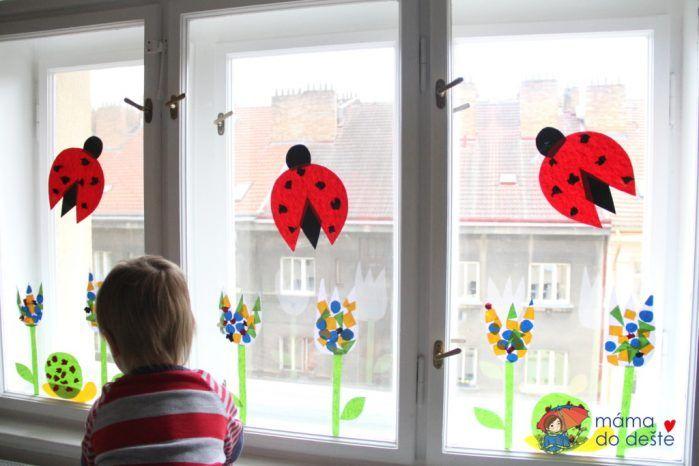 Jarní dekorace do oken