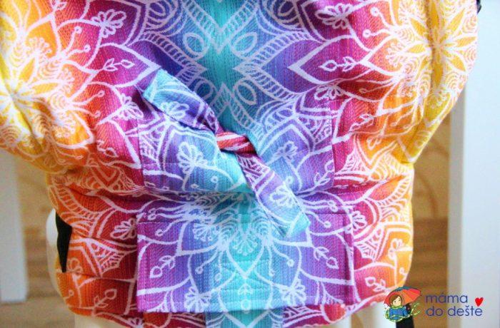 Nosítko Lenka 4ever Mandala Night – stahování látky mezi nožičkami