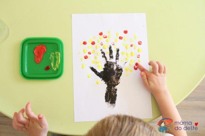 Kreslený podzimní strom rukou a prstem (od 3 let)