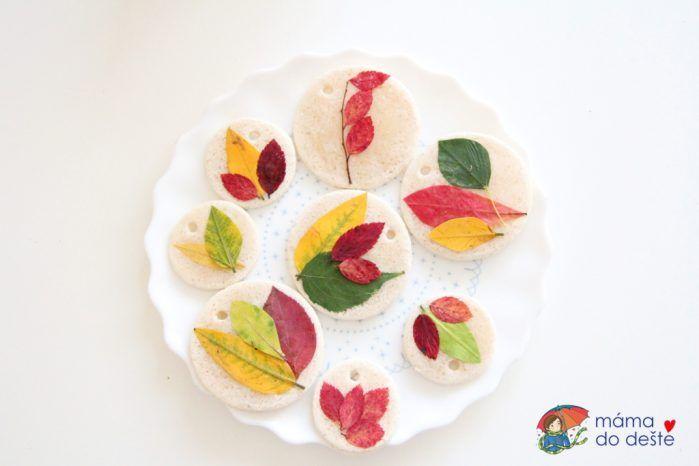 Dekorace z listů a slaného těsta