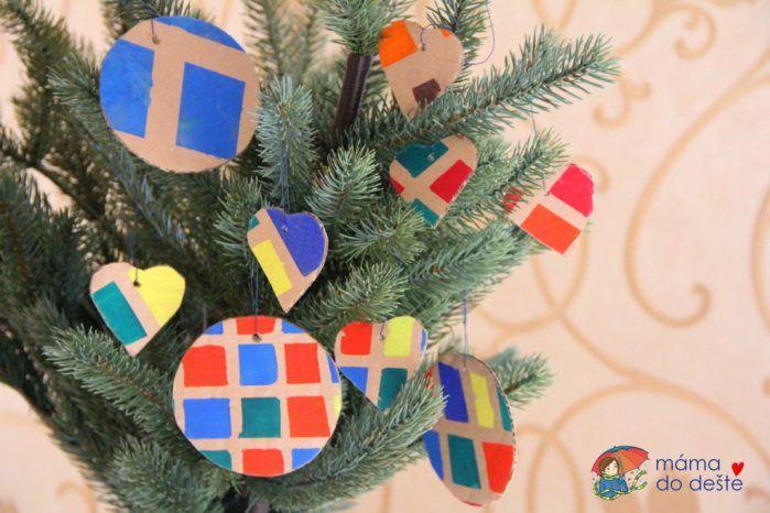 Vánoční papírové ozdoby