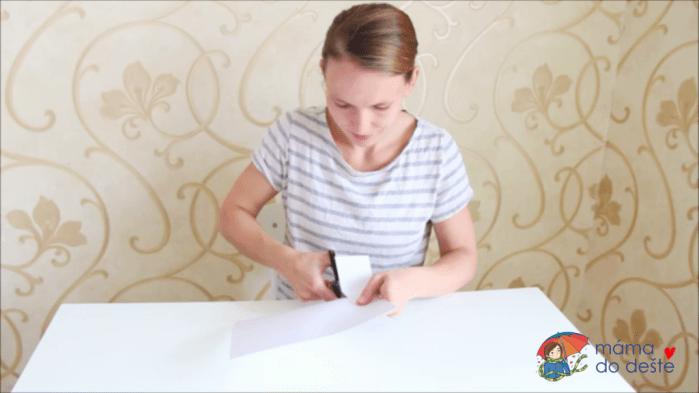 Vyrábíme doma: Záložky a ozdobné krabičky s otisky prstů