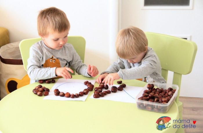 Tři hry skaštany pro děti od 2 do 4 let