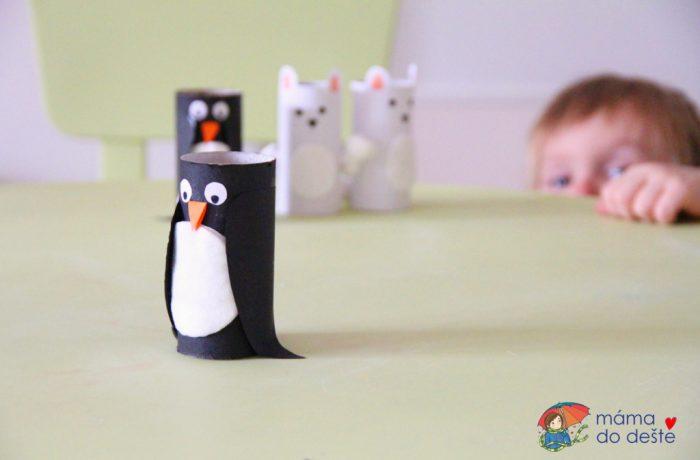 Tučňák alední medvěd, zimní zvířátka zruliček od toaletního papíru