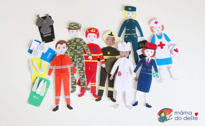 Oblékací panenky a panáčci v uniformách