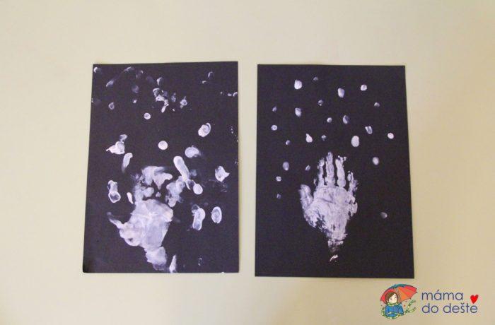 Bílý zimní strom zotisku ruky (od 2 let)