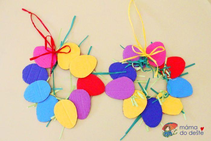 Velikonoční věnec z kartonu a barevného papíru
