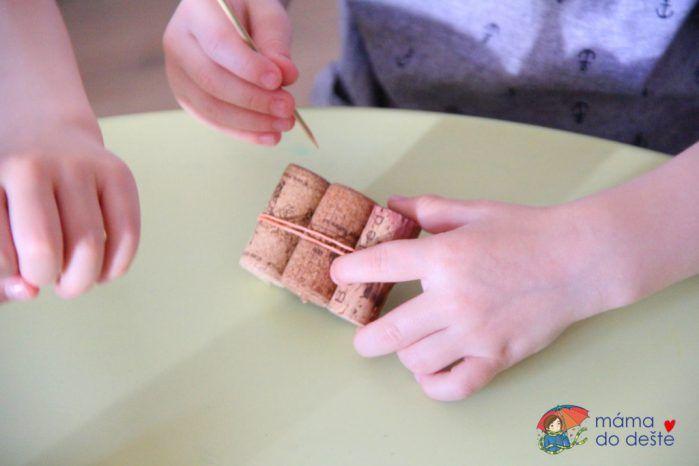 DIY lodičky z korku - skvělá letní zábava pro děti