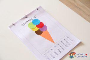 DIY nástěnný kalendář pro celou rodinu - šablona v PDF zdarma