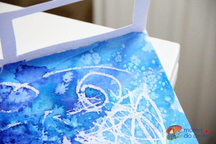 Jak kreslí mráz? Barevná okénka s voskovkou, solí a anilinkami