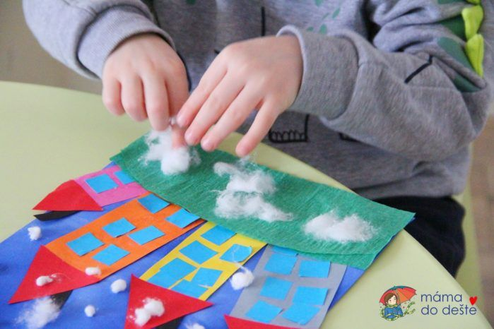 Jak vypadá zimní vesnička: zajímavé lepení pro děti od 3 let