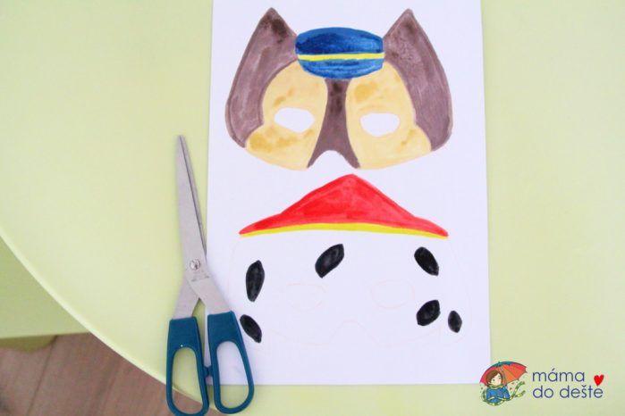 Jak vyrobit dětskou masku na karneval bez šicího stroje?