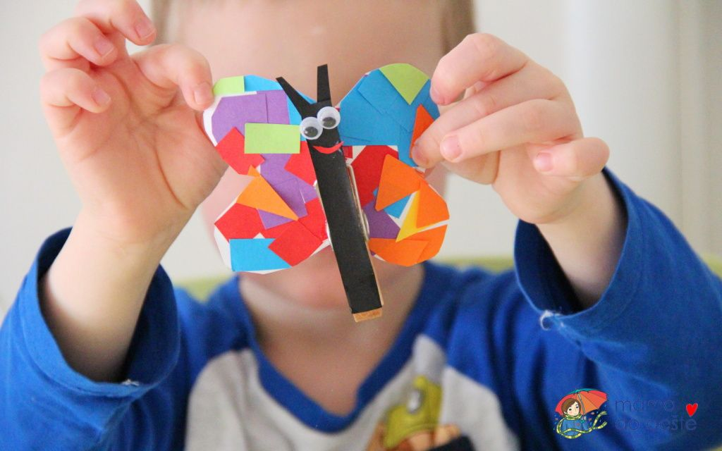 DIY papíroví motýlci jako ozdoba na kolíčku