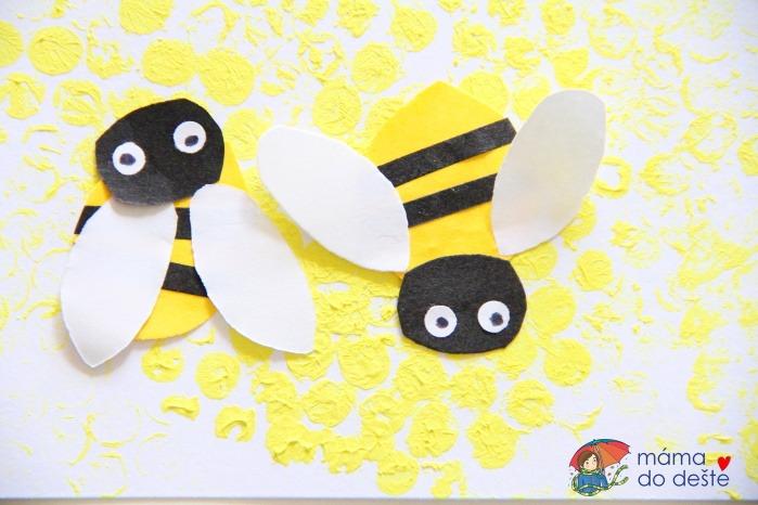 Včelky v úlu za pomocí bublinkové fólie a barevného papíru