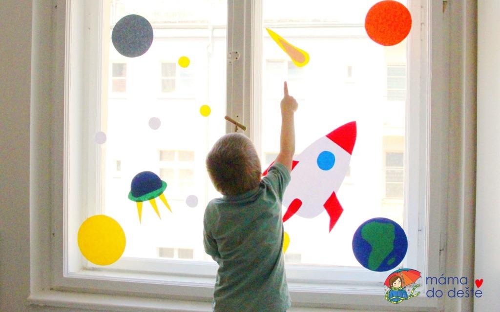 DIY dekorace na okna pro děti VESMÍR