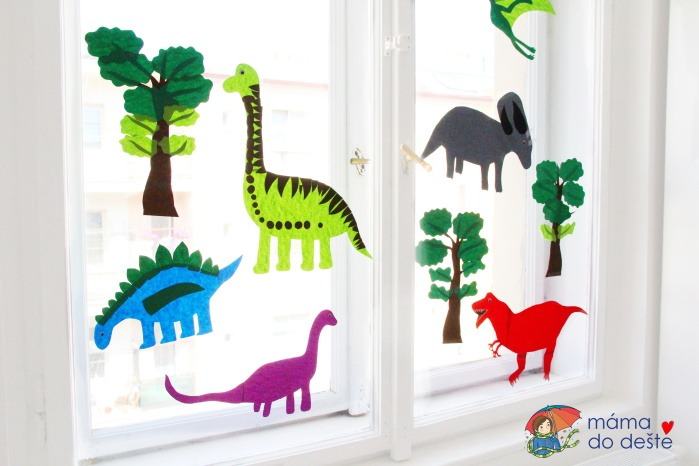 DIY dekorace na okna do dětského pokojíčku: Dinosauři