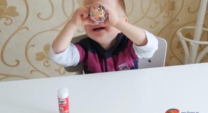 Vyrábíme doma: Kaleidoskop a dalekohled z ruličky od toaletního papíru