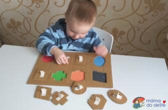 """Vyrábíme doma: Vkládačka """"geometrické tvary"""" z papírové krabice"""