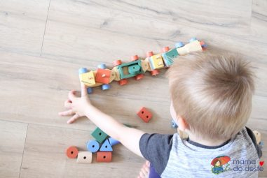 Mašinka ze dřeva: Vkládačka sgeometrickými tvary