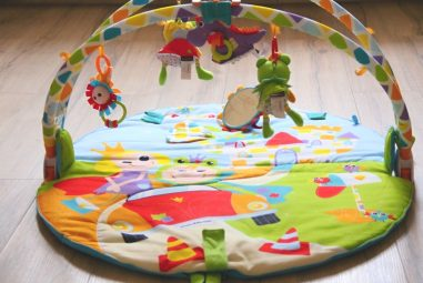 Yookidoo – hrací deka shrazdou