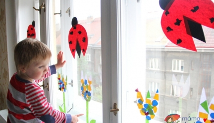 Vyrábíme doma: Jarní dekorace na okna pro děti od 2,5 let