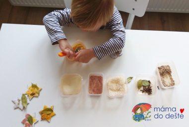 Vyrábíme doma: Vánoční ozdoby z kartonu, čočky a koření