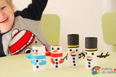 Sněhuláci zruliček od toaletního papíru